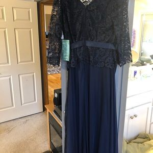 Dresses & Skirts - Navy gown